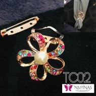 Colourfull flower clip